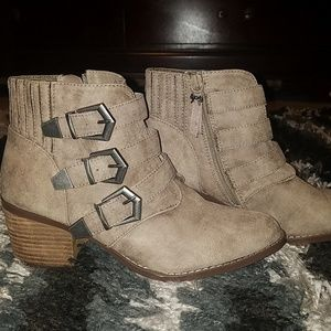 Betseyville Supagal Triple Buckle Ankle Boots